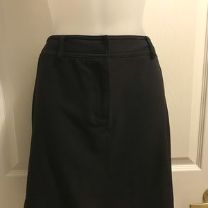 Black INC 8 Petite skirt with back pockets